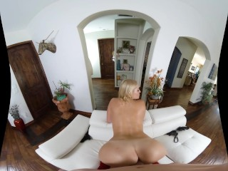 Sex in POV cu o Milf care adora sa suga si sa calareasca pula mare