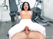 Vaginal si oral agresiv in sala de fitness