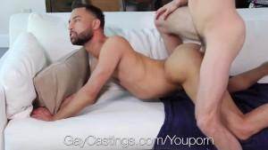 Casting gay cu un tip latino cu un cur bombat si pula frumoasa